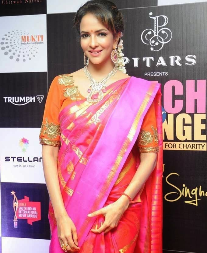 Manchu Lakshmi In Silk Saree
