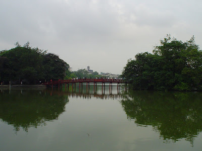 Red Wooden Bridge - Lake of Hanoi (Vietnam)