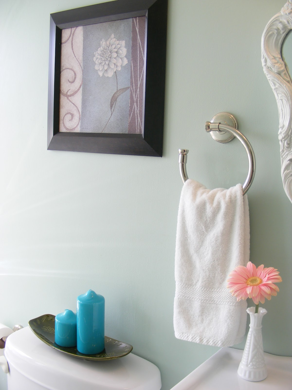{Home Staging 101} Part 4: Staging Bathrooms