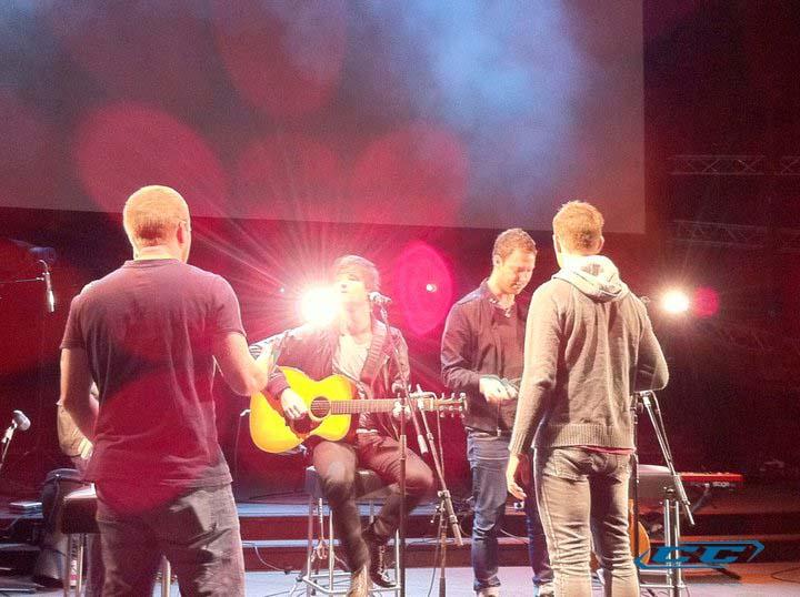 Hillsong Live - Born is the King 2011 English Christian Album Tracks and lyrics