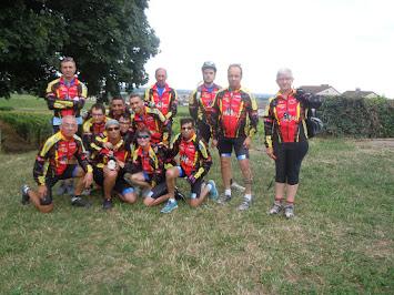 semaine fédérale de cyclotourisme à Dijon avec le groupe de mélimélo sport adapté , environ 500 km