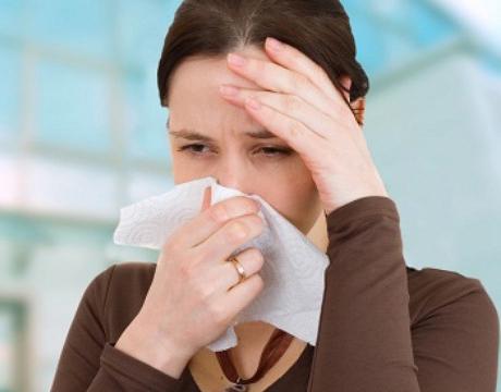 Điều trị viêm mũi dị ứng không cần dùng kháng sinh có được không?