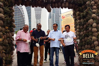 Oh FBP 2015 DS Ismail Sabri Datuk M Saravanan Kambing Teh Ais di Pavilion Agropreneur 4 Youth