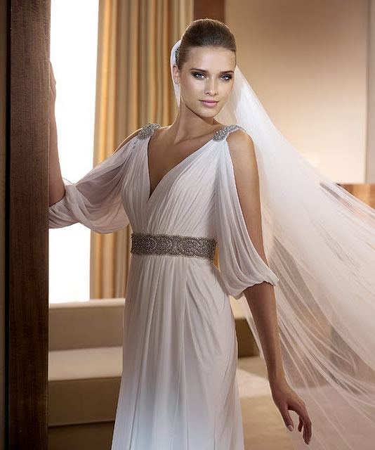 Coolingerie grecian wedding dresses for a bride with for Grecian goddess wedding dresses