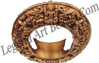 DHANDA KADA (bangle) Tamil Nadu; 19 century Dam 11 cm Courtesy Musee Barbier Mueller, Geneva 12504-1151 the repousse worked gold bangle depicts the eight forms of the Goddess Lakshmi (Ashtalakshmi). Such bangles were usually given to men in recognition of valour and achievement in the arts.