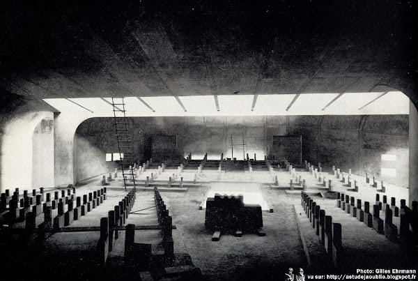 Nevers - Eglise Sainte-Bernadette du Banlay  Architectes: Claude Parent, Paul Virilio (Architecture Principe)  Construction: 1963 - 1966