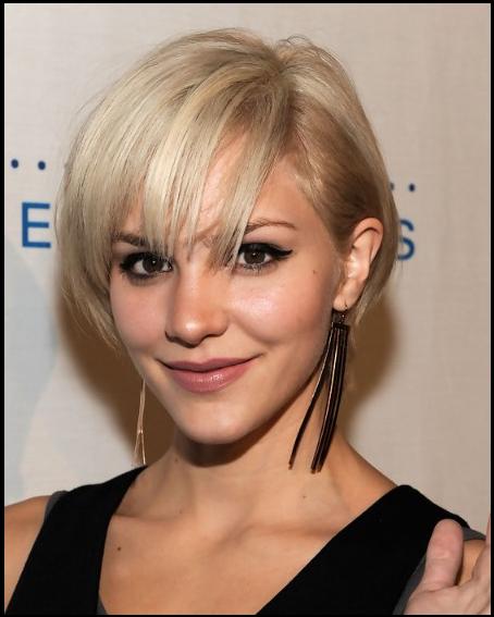 Katharine Mcphee Cute Layered Short Blonde Bob Hairstyle With Bangs