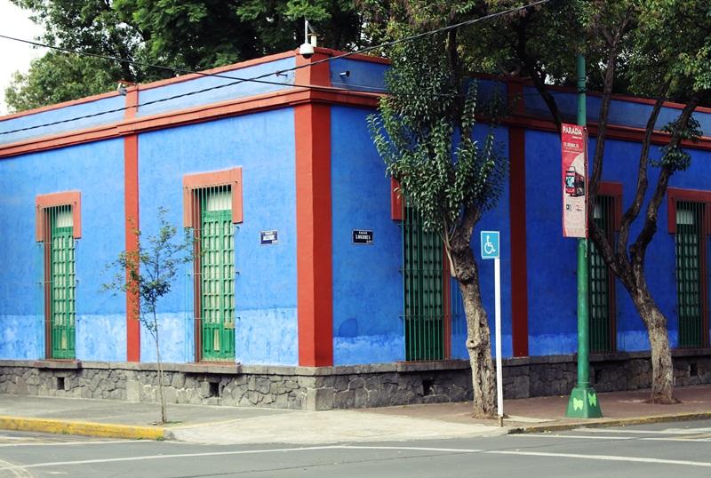 Art/ La Casa Azul ( Frida Kahlo Museum)