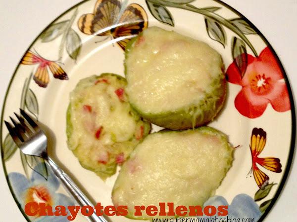 Chayotes Rellenos con queso y jamón.