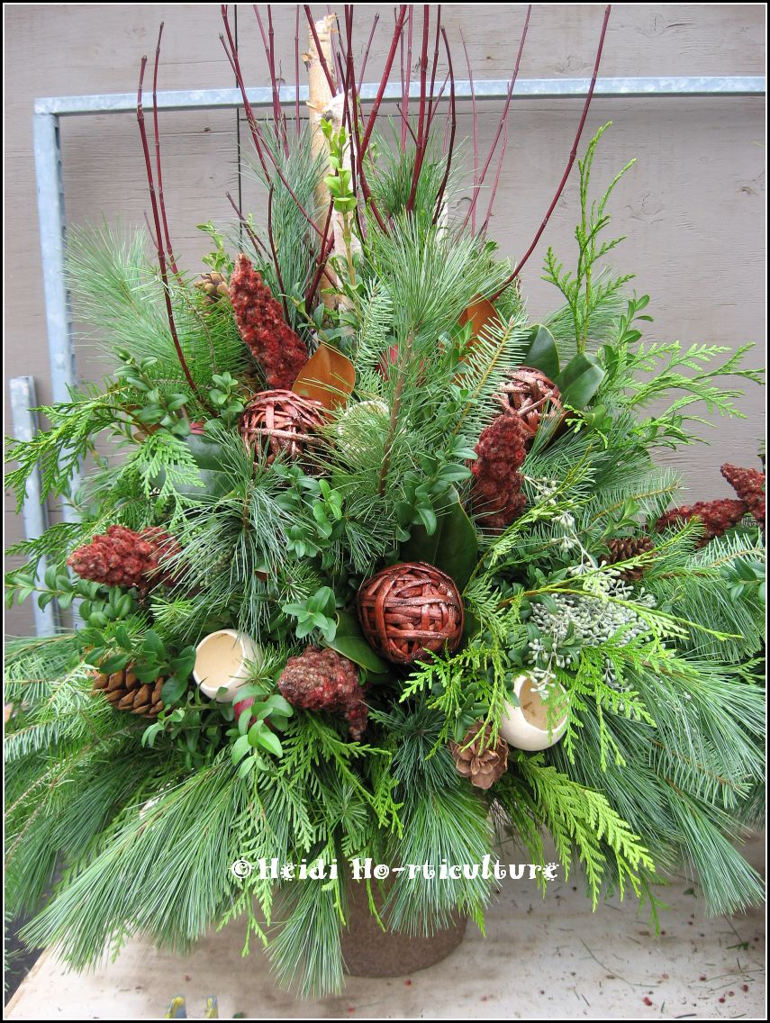Heidi Horticulture Outdoor Christmas Urn Container Natural