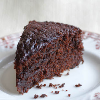 fresh ginger cake serving