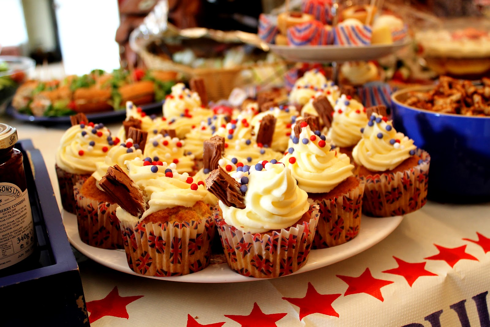 Download this Retro Party Food Jubilee picture