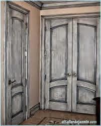Resaltar las molduras de las puertas viejas con ChalkPaint