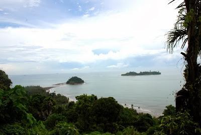 Pantai Aie Manih (Pantai Air Manis), Pantai di Padang.