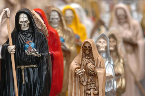 Lento pero seguro el culto a la Santa Muerte