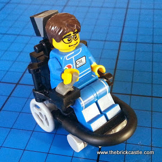 How to make a LEGO Electric Wheelchair Footballer