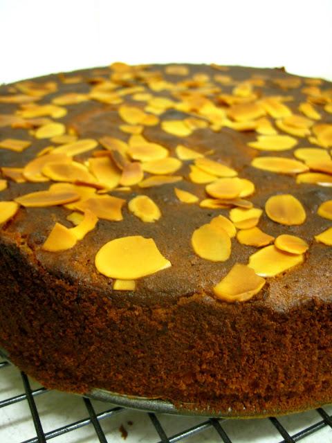 gluten free lemon and almond cake
