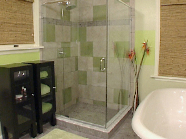 Trend homes small bathroom shower design for Small restroom ideas