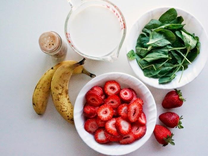 Ingredients for Nestlé Nido smoothie // livingmividaloca.com #AmazingKids #NestleNIDO