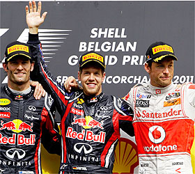 FÓRMULA 1-Carrera loca liderada al final por Vettel