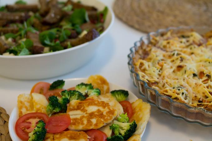brunssilla kotona piirakka salaatti