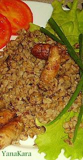 Гречневая каша с колбасками