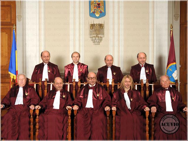 Funny photo Curtea Constituţională Referendum Traian Băsescu