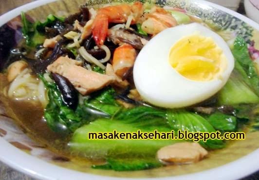 Cara Membuat Mie Kuah Seafood Spesial
