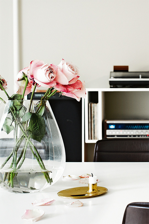 danish apartment inspiration,flower
