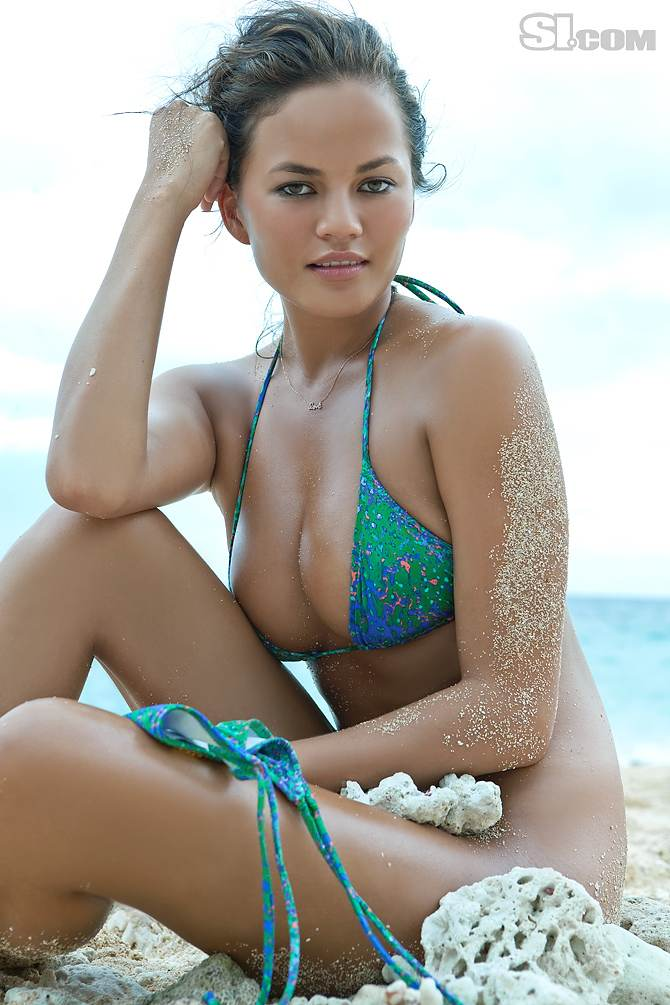 Bottomless Beaches http://swimsuitologist.blogspot.com/2011_04_01_archive.html