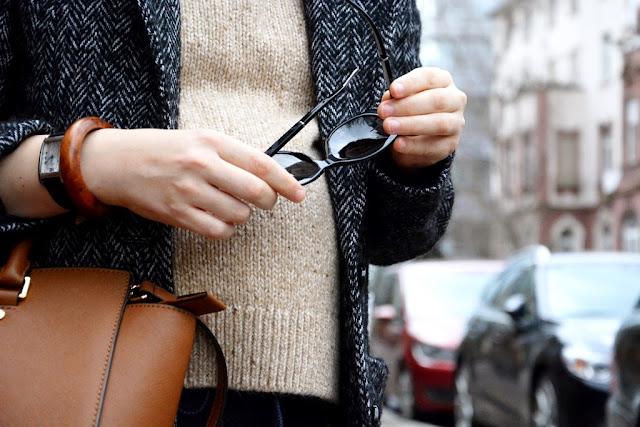 Maternity clothes, Esprit coat, Esprit Mantel, sunglasses Burberry
