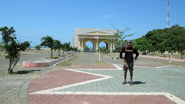 Gerbang pantai Benteng Portugis Jepara