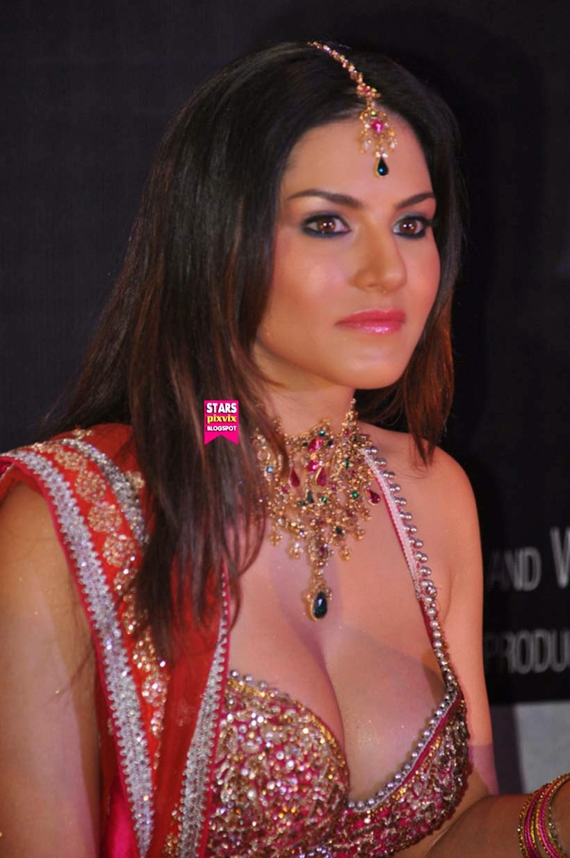 Sunny Leone Hot At Promotional Event Cute Marathi