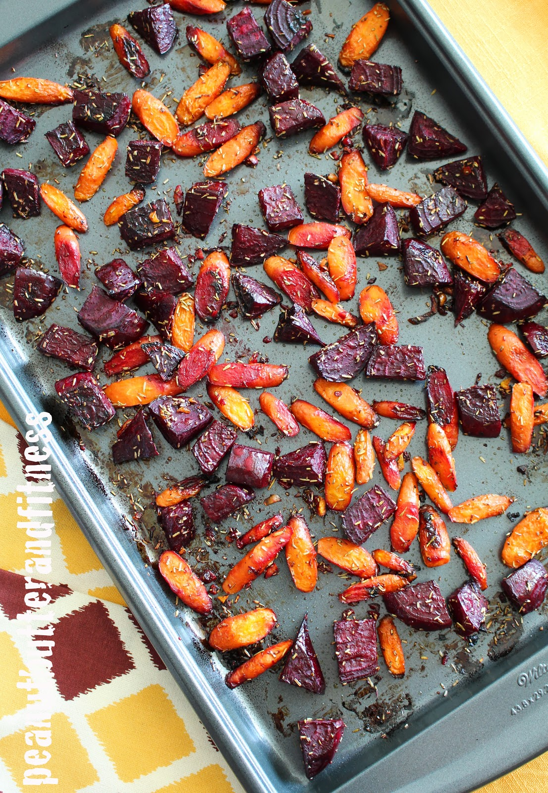 PEANUT BUTTER AND FITNESS: Rosemary Roasted Beets and Carrots