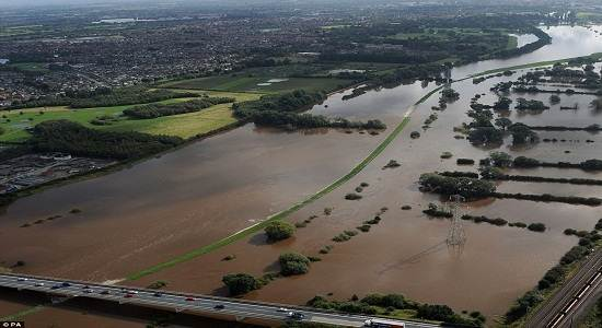 Aerial_view_river_ouse_york_flood_Uk