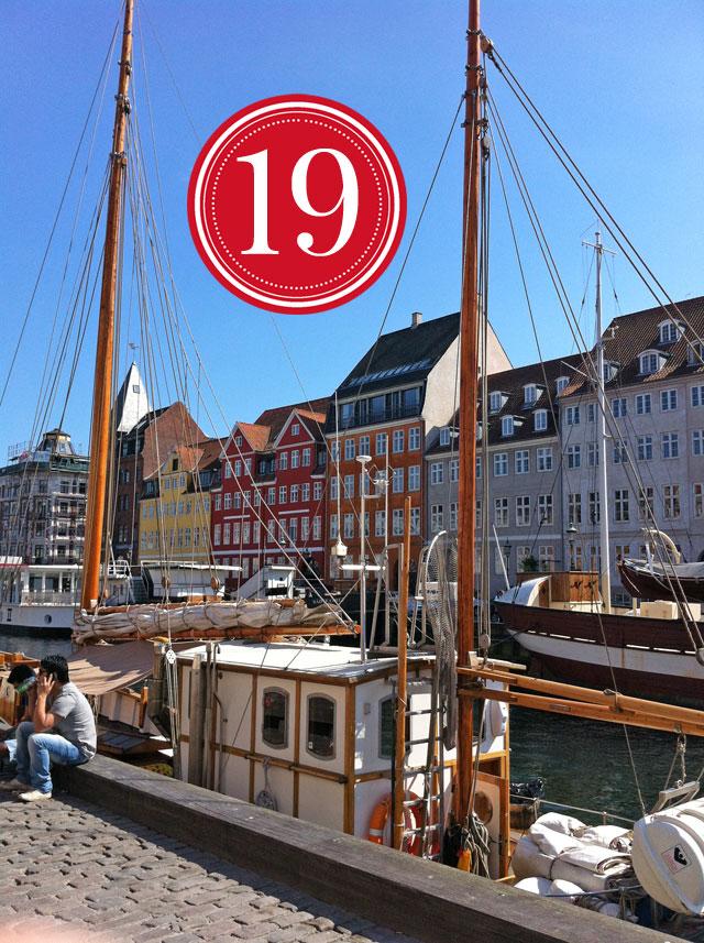 Amalie loves Denmark Kopenhagen Nyhavn