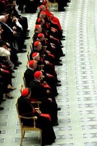Cardeais discutem o perfil do novo Papa
