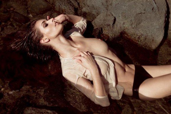 khoa bui fotografia modelos mulheres seminuas na praia areia