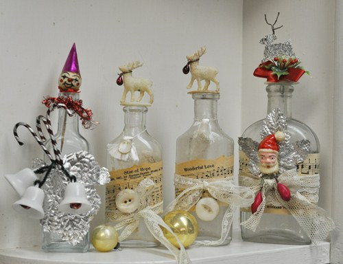 Lalaberidesign decorating with vintage bottles - How to decorate old bottles ...