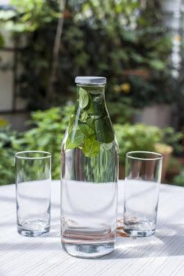 Naravna voda z okusom - pomarančna meta