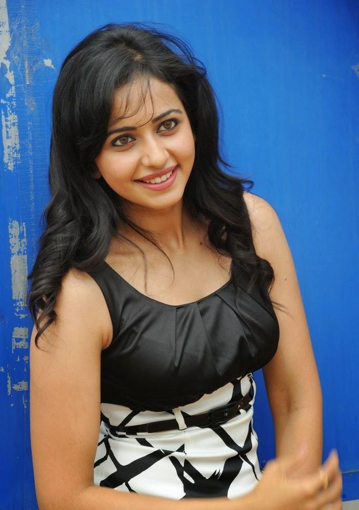 Rakul Preet Singh's huge big round clevage close up bra erect visible hot pics hd pics