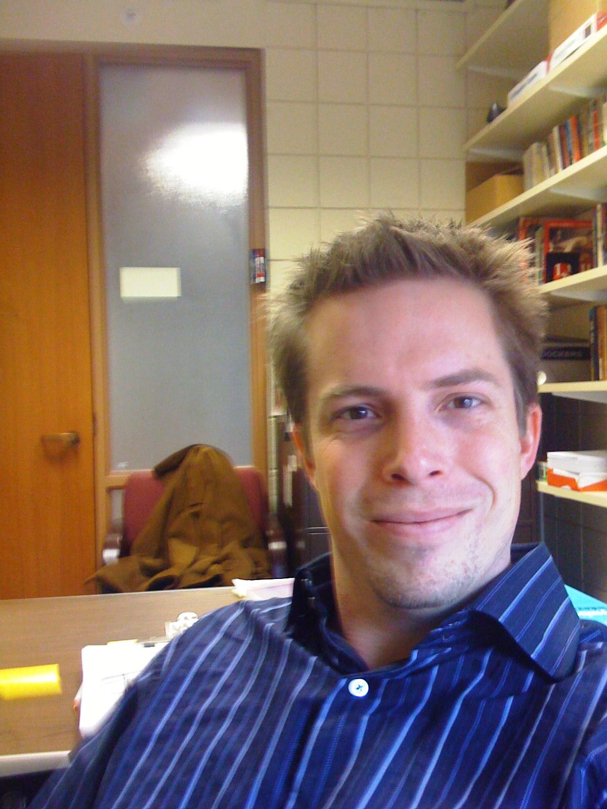 http://2.bp.blogspot.com/-AROYJidTDZQ/TzKa5wFC7TI/AAAAAAAABa0/IBqbabiQJ6s/s1600/michael-rosenbaum-background-1-719110.jpg