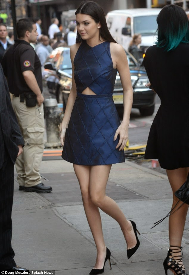 kendall jenner camilla and marc australian designer blue dress good morning america everyday like this