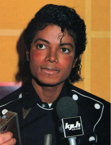 """Michael Jackson's """"The Dream Continues"""": Michael Jackson Interview with TV Guide Magazine (2001)"""