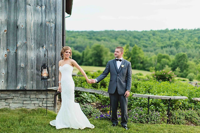 Gorgeous Wedding From Nipmoose Barns And Two Hearts Photography