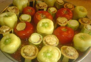 ardei umpluti, vinete umplute, dovlecei umpluti, legume umplute, retete culinare, preparate culinare, retete de mancare, legume umplute la cuptor, mancare cu legume,