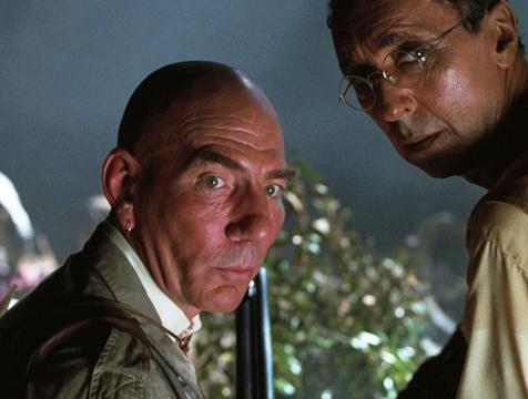 Roland Tembo (Pete Postlethwaite) y Ajay Sidhu (Harvey Jason) en El mundo perdido. Jurassic Park - Cine de Escritor