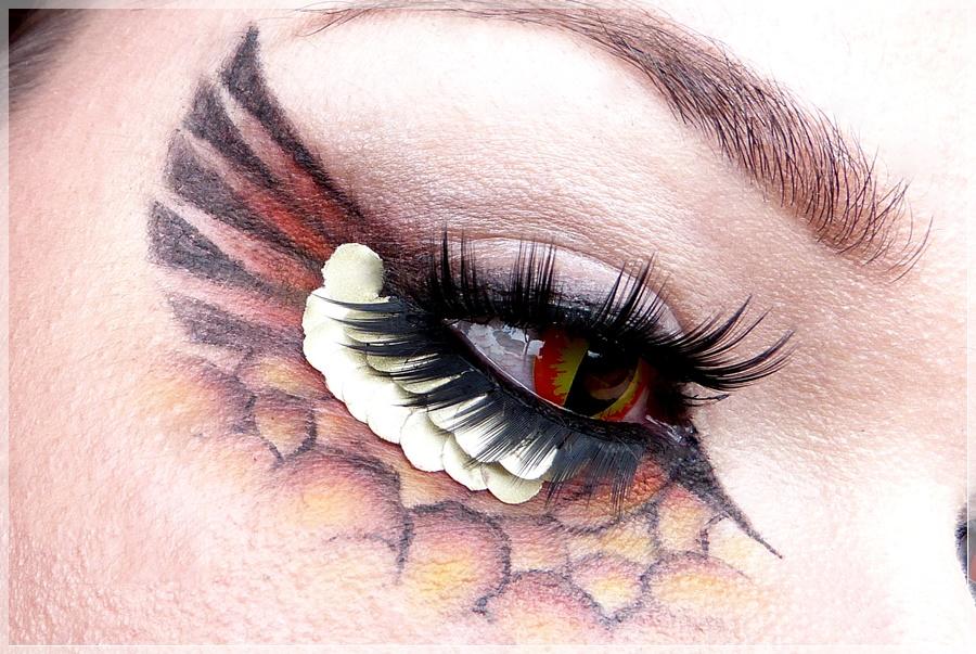 Drachen Make Up