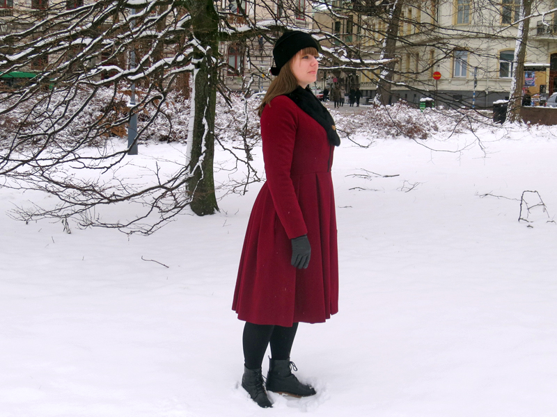 The ruby red winter coat side | www.stinap.com