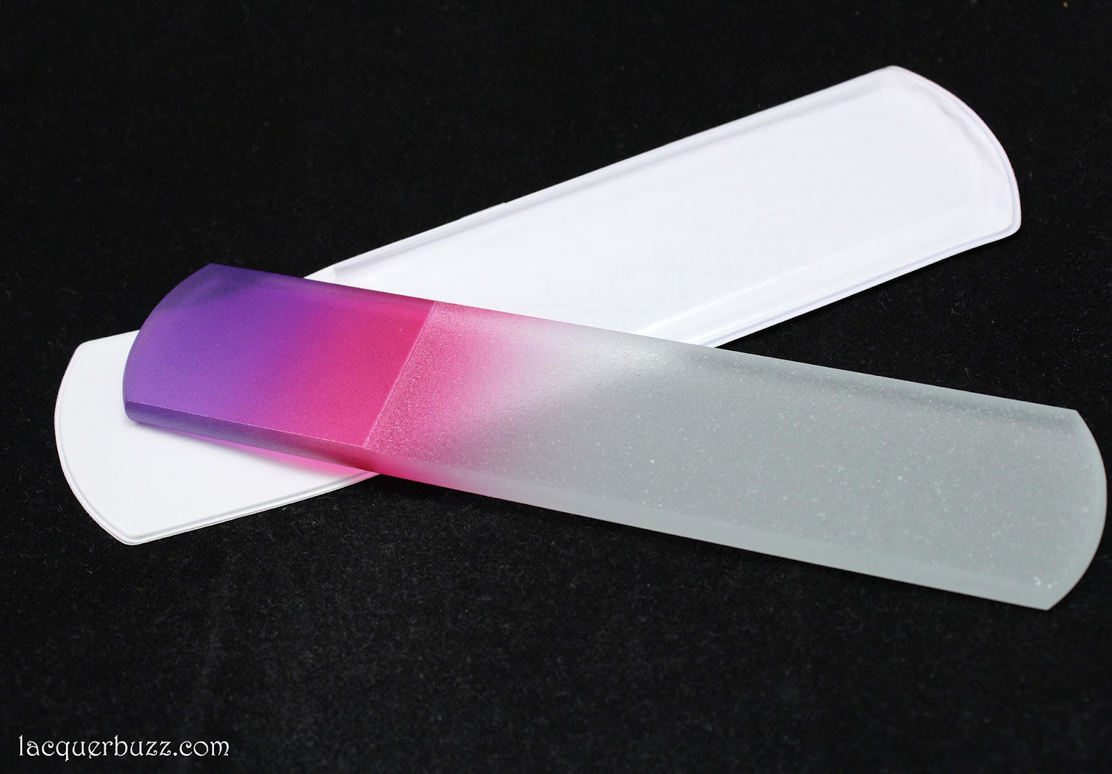 Lacquer Buzz: Aveniro Glass Nail File Review